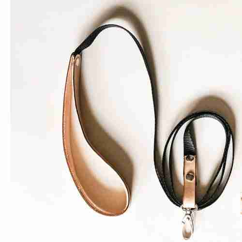 leather detail leash natural